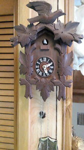 VERY OLD ONE WEIGHT CUCKOO CLOCK CIRCA 1920'S