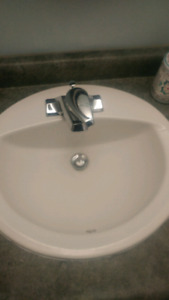 Bathroom sink (2)