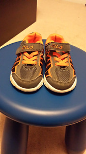 Toddler Fila Sneakers Size 6.5