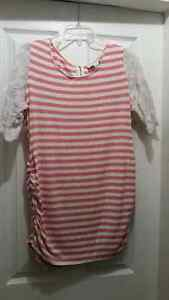 XL Jessica Simpson maternity top