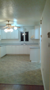 Large and clean 2 bedroom apts available June 1st *free iPad