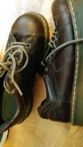 DR MARTENS SHOES Size 13 GOOD SHAPE
