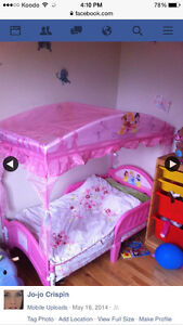 Girls Toddler bed with blankets/sheets for sale