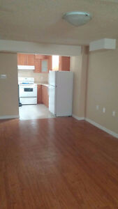 2 Bedrooms Den Local House Rentals In Mississauga Peel Region Kijiji Classifieds