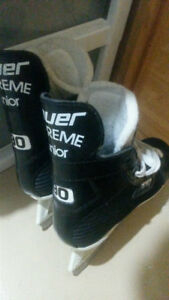 Like new Bauer supreme 90 junior skates