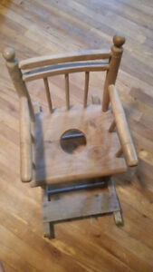 "Wooden Rocking Chair Potty Trainer. Chaise berceuse ""petit pot"""