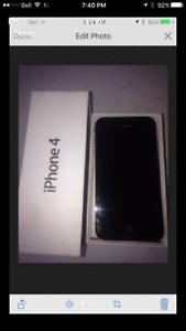 Apple Iphone 4 black 16 GB , very good condition ,bell mobility