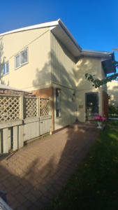 Modern, Updated Home- Close to University, TBCA and Intercity