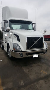 Day Cab Volvo, Manual 13 speed, 425 HP