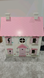 Kids doll house with accessories