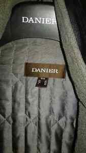 DANIER 100% GENUINE LEATHER COAT - LOW PRICE, BRAND NEW-LIKE Windsor Region Ontario image 4
