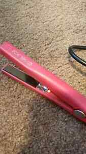 Pink mini Ionika straightener