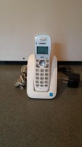 Single handset cordless DECT 6.0 phone