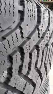 Winter Tires 205/65/15 GOODYEAR NORDIC on GM rims West Island Greater Montréal image 4