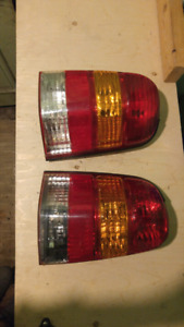2001-2007 FORD ESCAPE TAIL LIGHTS