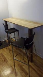 Table haute/bar + 2 chaises