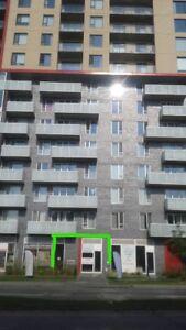 Location Espace commercial 686 p2 au coin Jean Talon et Victoria
