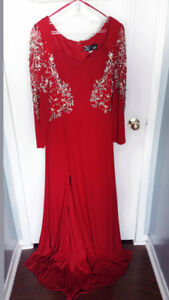 Prom/formal dress-- only worn once