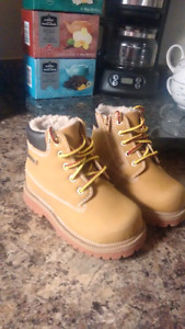 Waterproof boots size 6