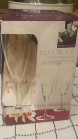 BRAND NEW 4 CHAMPAGNE FLUTES 20CL