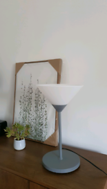 Moderm chick table lamp