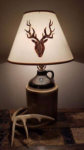 Antique crock lamp with deer lampshade - lampe antique cruche