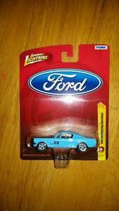 Johnny Lightning Release 24 1965 Ford Mustang Sportsroof 1:64 Sc