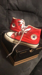 Toddler size 6 converse red