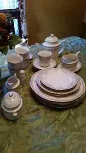NORITAKE ROTHSCHILD COMPLETE SET OF 9 PLACE SETTINGS
