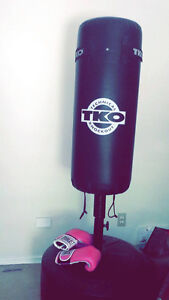 TKO Punching boxing bag - with other equipment - with a stand