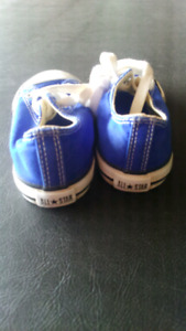 Kids all Star converse shoes size 8