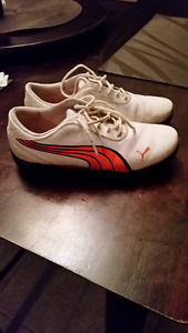 Youth size 5 Puma Golf shoes