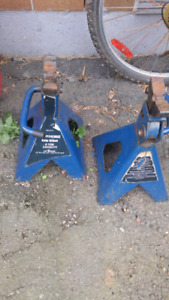 6 ton axle stands $30 for pair