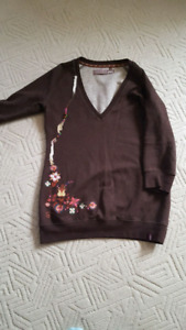 aritzia - tna sweater medium