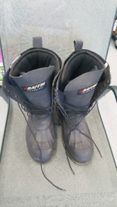 New pair of baffin boots size 8