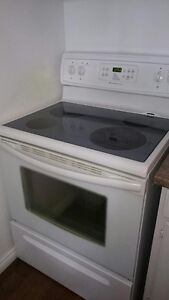 Glass top Frigidaire Stove