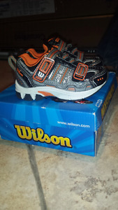 Brand new Wilson size 7  boys shoes