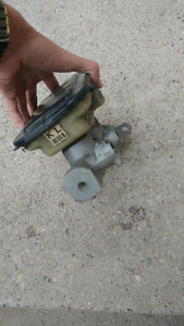 1981 OR 1982 CUTLASS Mastercylinder
