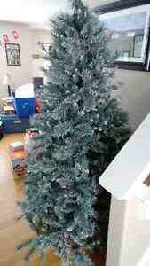 7.5 Ft Frosted Pre lit Christmas tree