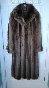 LADIES FULL LENGTH RACCOON FUR COAT SIZE 16