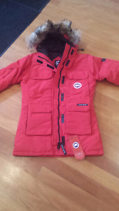 Canada Goose Women's Large expedition parka jacket