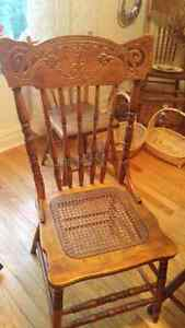 Solid Oak Antique Table and chairs Kingston Kingston Area image 5