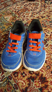 Kids size 12 Under armour sneakers