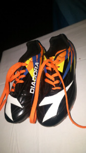 Soccer cleats size 1.   new!