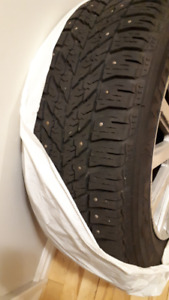 225/60R17 STUDDED WINTER TIRES WITH RIMS EXCELLENT CONDITION