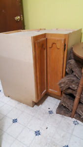 Corner floor cabinet with lazy susan