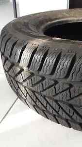 Set of Winter Tires Goodfyear P215 70R15