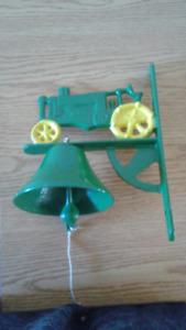 VT Cast Iron John Deere Tractor Dinner Bell w/ Clapper