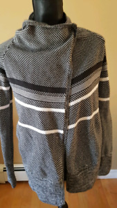 Ivivva size 12 by Lululemon cotton Wrap Sweater