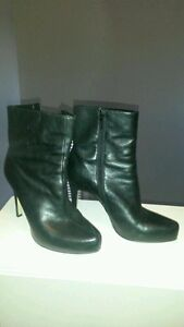 Women's Guess Leather Boots